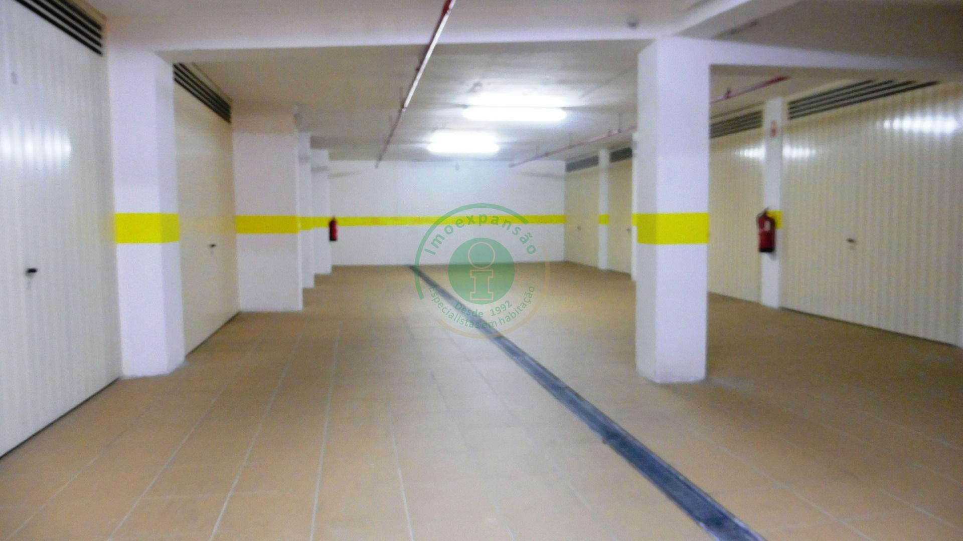 Garagem - Junto ao Quartel GNR  - Figueira Da Foz, Buarcos E São Julião